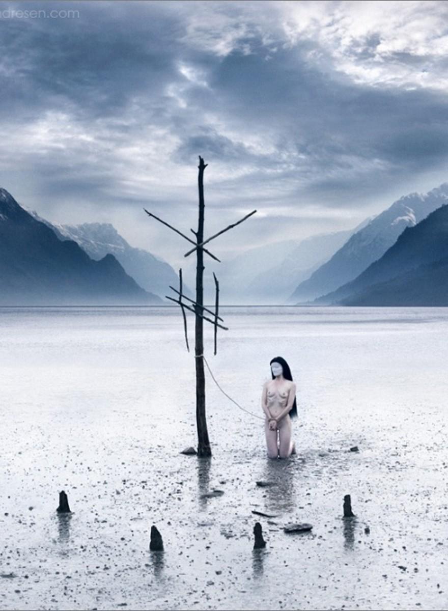 Foto NSFW di donne congelate e riti occulti nei boschi della Norvegia