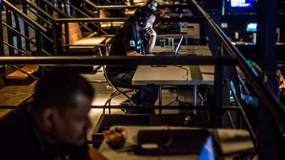 Torresmo, energético e senhas quebradas no maior campeonato de hackers do Brasil