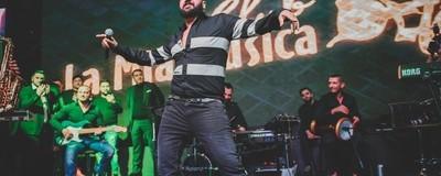 Am fost la un concert de manele pop cu Florin Salam al Bulgariei, dar a lipsit nebunia