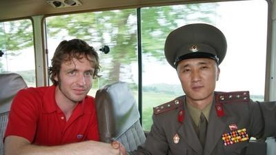 Dylan Harris will dich zum Partymachen nach Nordkorea, Äthopien und Kurdistan bringen