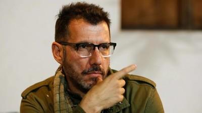 """""""El mundo no es tan Facebook como creíamos"""": entrevista a Alberto Fuguet"""