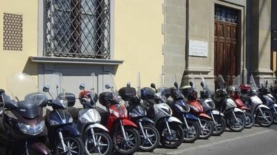 Primarul din Italia care le-a promis bani gratis tuturor