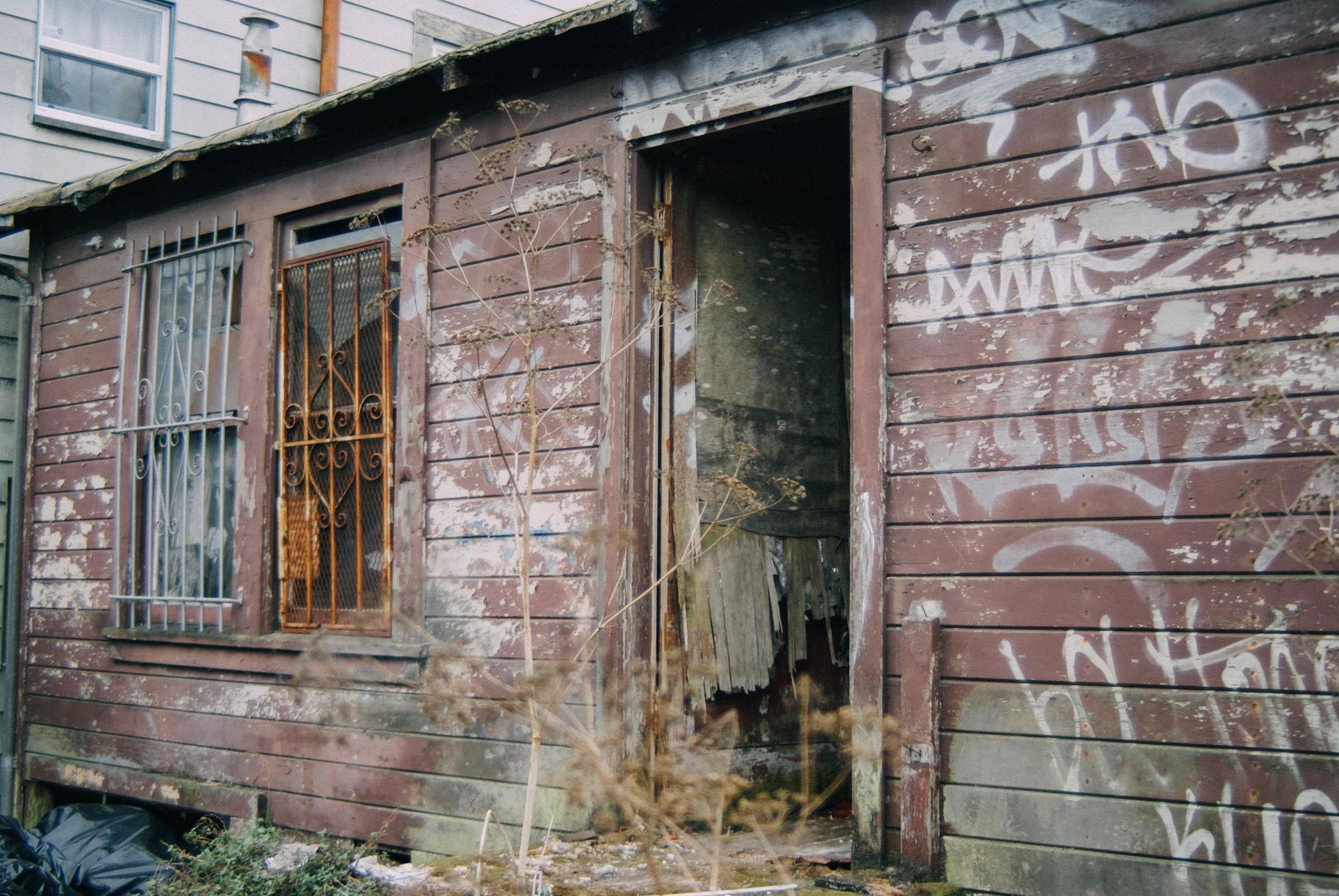 The 39 cheapest property in san francisco 39 is a dilapidated for Cheapest house foundation
