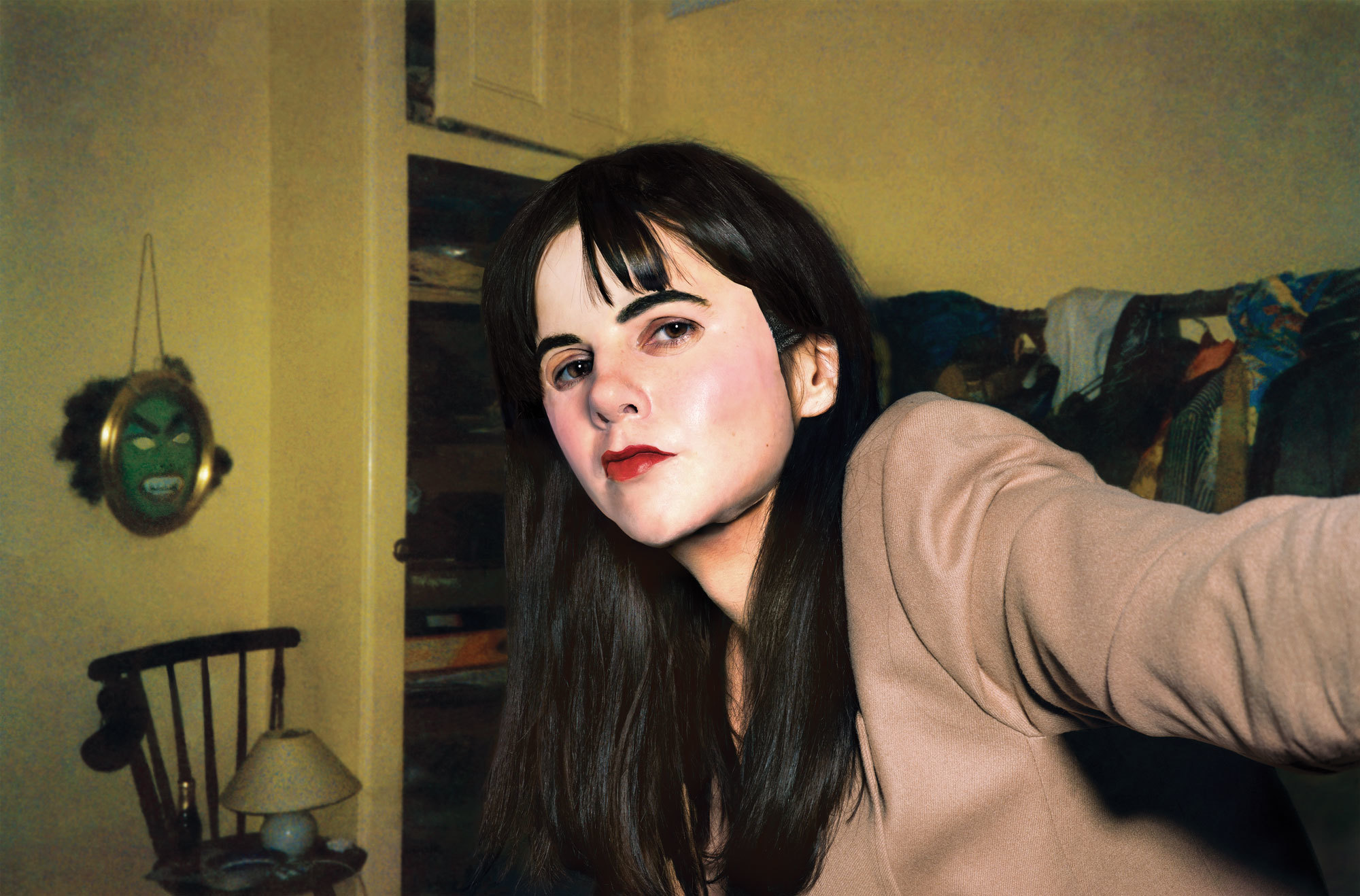photographer and video artist gillian wearing takes a self