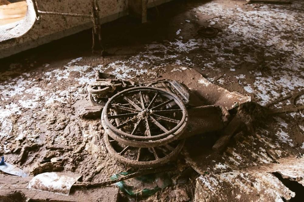 https://vice-images.vice.com/images/content-images-crops/2016/01/29/photos-costa-concordia-shipwreck-jonathan-danko-kielkowski-body-image-1454093502-size_1000.jpeg?output-quality=75