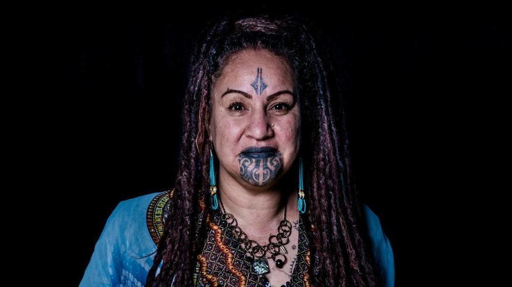 des-femmes-maories-nous-parlent-de-leur-tatouage-facial-body-image-1473929376-size_1000