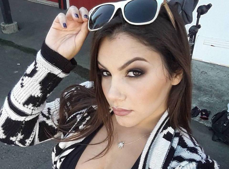 Stoya sesso video ragazze con grandi tette e figa stretta