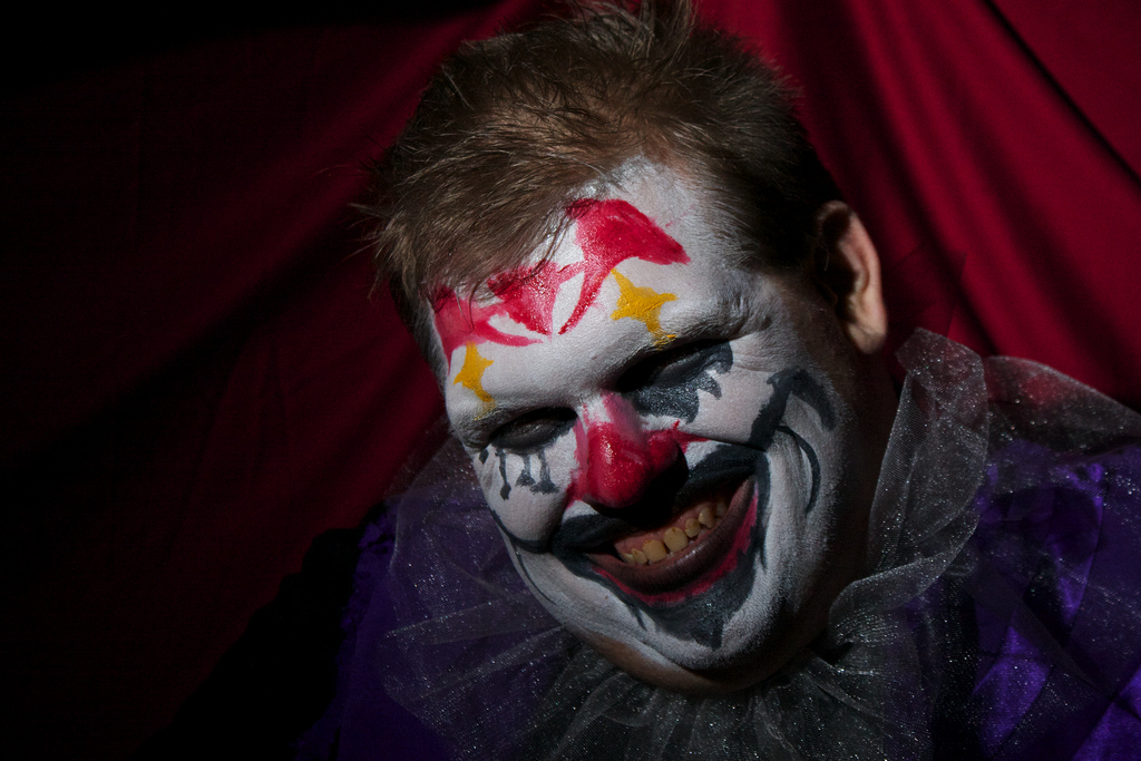 Sightings of spooky clowns spread from the U.S. to Australia, New Zealand