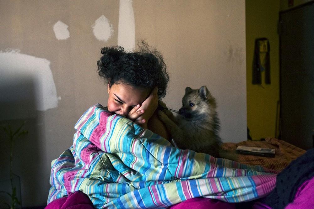 De dochter van Alicia Moore, de dertienjarige Tiffany, is gediagnosticeerd met lood in haar lichaam. Melrose Houses, Bronx, NY, 2012.