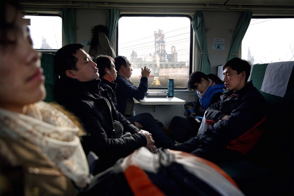 Commuters going between Xingtai and Beijing