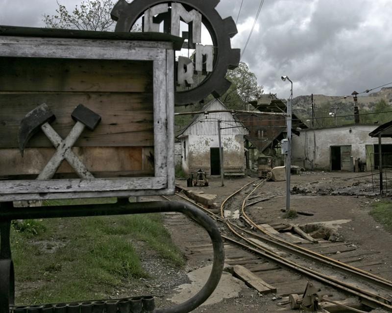 Miniera di Roșia Montană, chiusa nel 2006, foto di Marin Raica