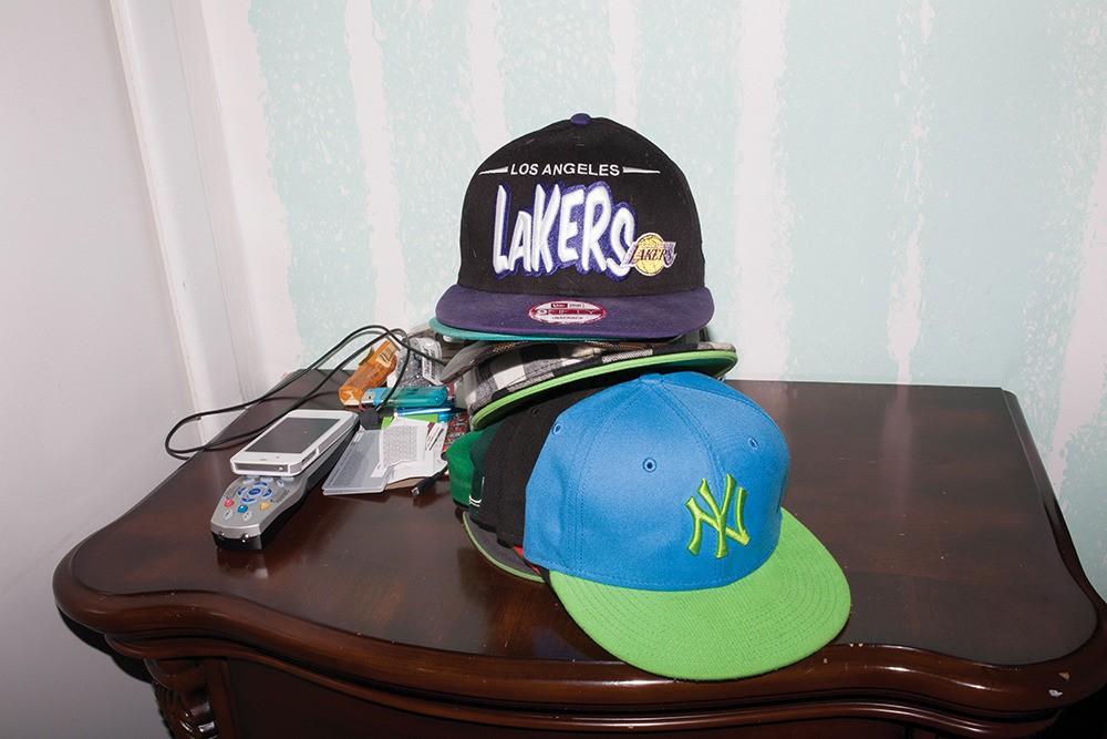 Jack ne soutient aucune équipe en particulier, mais a pourtant une tonne de casquettes à assortir avec n'importe quelle tenue.