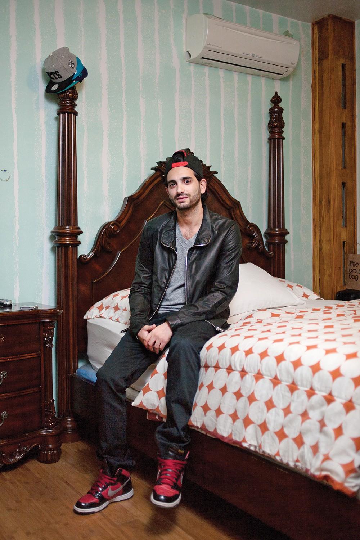 Jack, assis dans sa chambre, n'envisage pas de visiter la Syrie un jour. «Pour un juif? Impossible. Je risquerais ma vie», nous a-t-il affirmé.