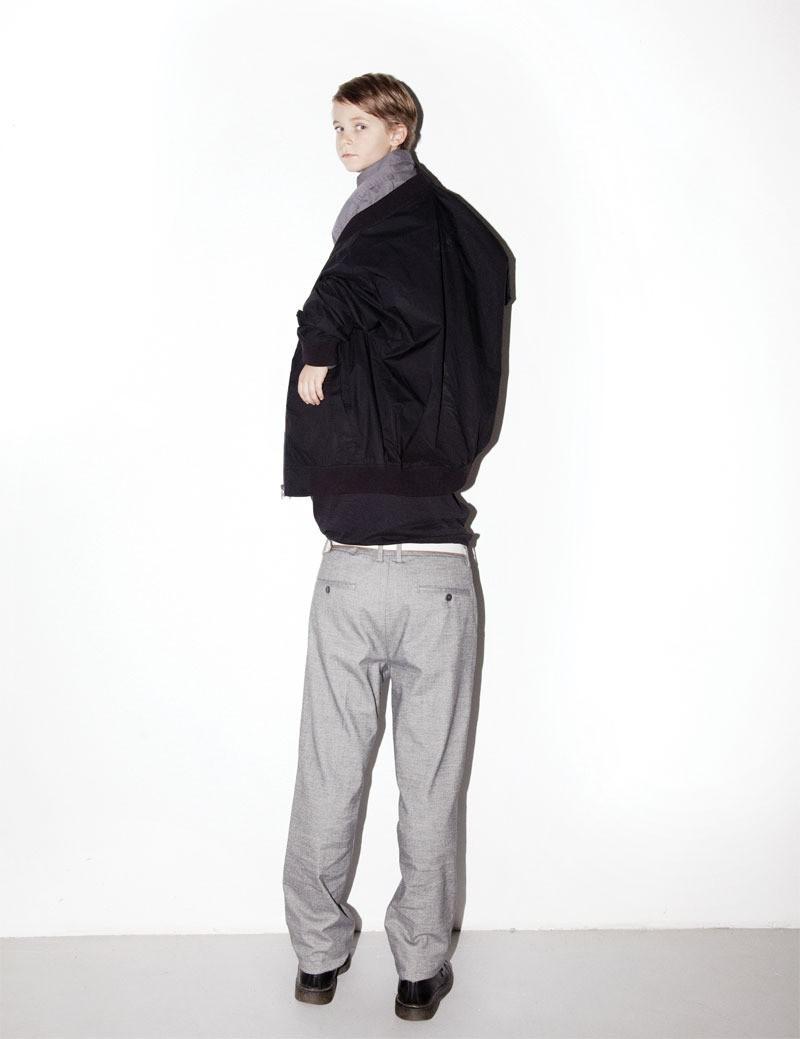 Jacke von Cheap Monday (über Urban Outfitters), Hemd und Hose von Dockers, T-Shirt von BDG (über Urban Outfitters), Gürtel von Acne (vintage), Schuhe von Dr. Martens (vintage)