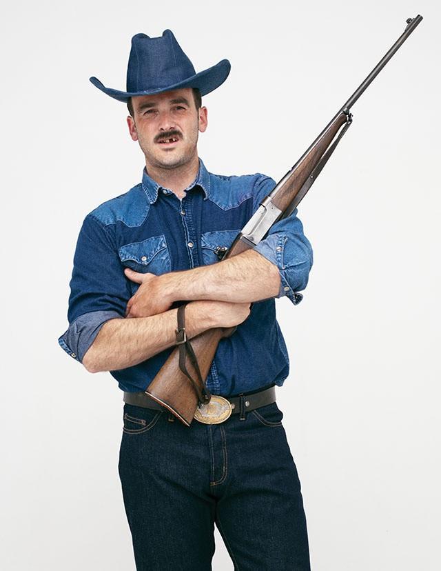Vintage-Hemd und Hut von Citizen Vintage, Jeans von American Apparel, Vintage-Gürtel