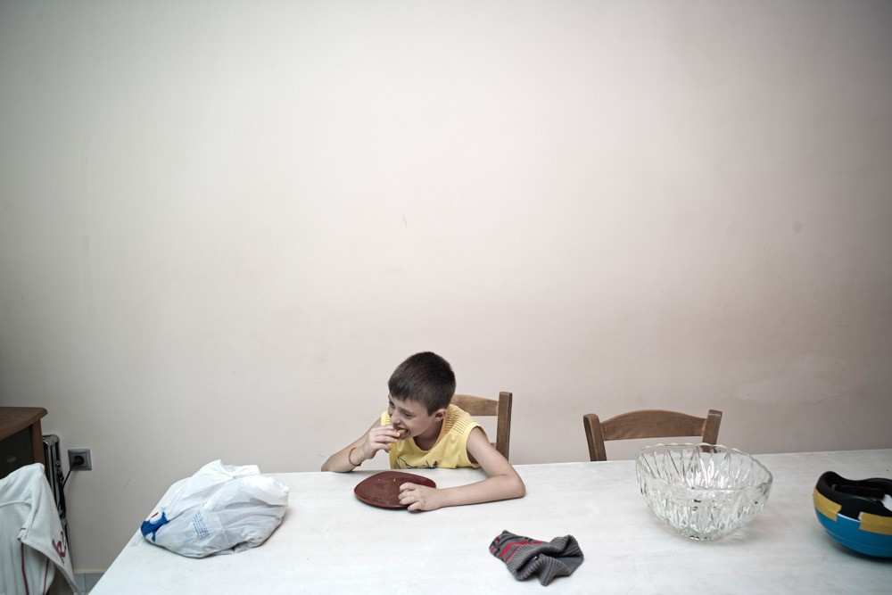 430,000 kids live under the poverty threshold, in households without sufficient heating or the means to cover basic needs.