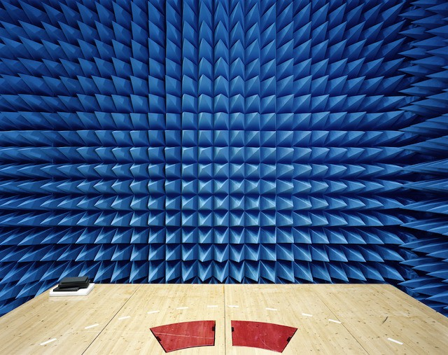Maxwell Electromagnetic Test Chamber (ESA-ESTEC, Noordwijk, the Netherlands).